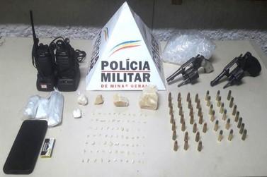 PM prende traficante e apreende dois revólveres no bairro Santo Antônio
