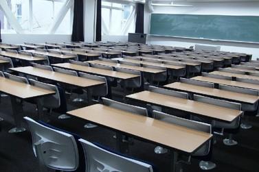 Retorno às aulas presenciais preocupa especialistas em todo o país