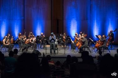 """Orquestra Ouro Preto apresenta o espetáculo """"Um conto de Natal"""""""
