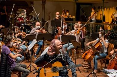 """Orquestra Ouro Preto e Alceu Valença lançam """"La Belle de Jour"""""""