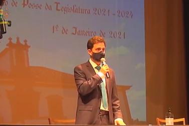 Juliano Duarte assume cadeira de Prefeito