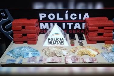 Polícia Militar apreende tabletes de maconha em Ouro Preto