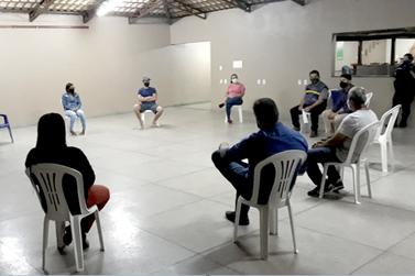 Departamento de Fiscalização de Posturas se reúne com moradores de Bandeirantes