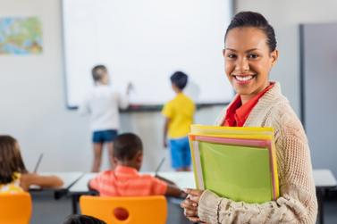 Professores da rede municipal recebem 14º salário