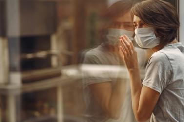 Intensivistas: texto de Andreia Donadon Leal sobre a pandemia