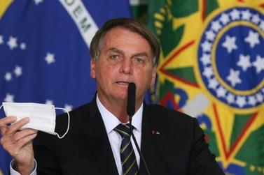 Bolsonaro quer desobrigar uso de máscara por vacinados