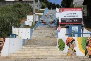 "Obra da ""Escadaria Selaron"" de Maricá ganhará nova pintura após desgaste"