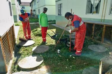 Maricá promove ação para limpeza e recolhimento do lixo em condomínios MCMV