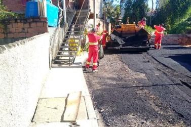 Ruas de diversos bairros são recuperadas em Maricá