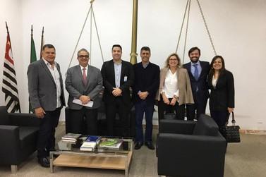 Vereadores da CPI da Sonegação se reúnem com secretário em São Paulo