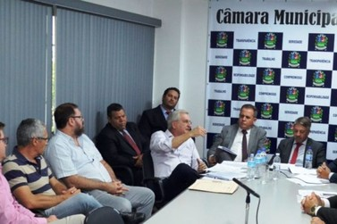 Vereadores de oposição não assinam e 8 projetos não entram em votação no Guaçu