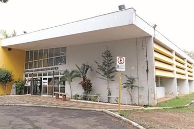 Prefeitura assina contrato para a reforma do Centro Cultural