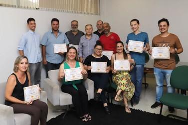 Vencedores de concurso de fotos recebem certificados