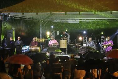 Evento no Teatro de Arena comemora o Dia Nacional do Samba
