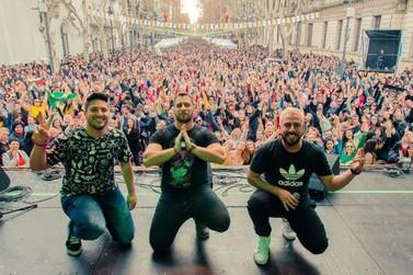 Trio Arena faz show beneficente no Natal Luz