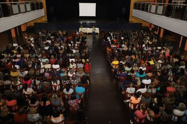 Educação promove palestra com Lino de Macedo a 500 pessoas