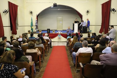 Primeira escola de Mogi Mirim, Coronel Venâncio celebra 120 anos