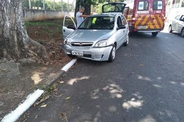 Funcionárias públicas se envolvem em acidentes de trânsito