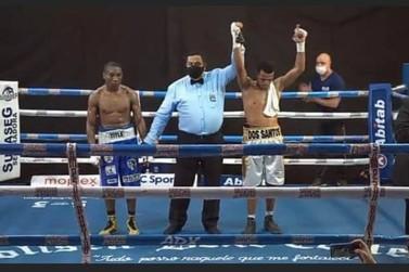 Pedro vence uruguaio por pontos em desafio internacional de boxe