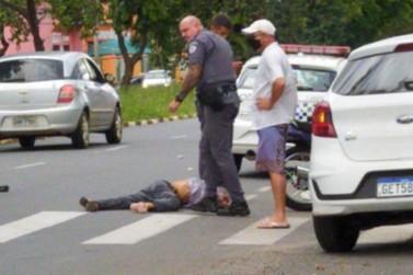 Idoso fica gravemente ferido ao ser atropelado na Pedro Botesi