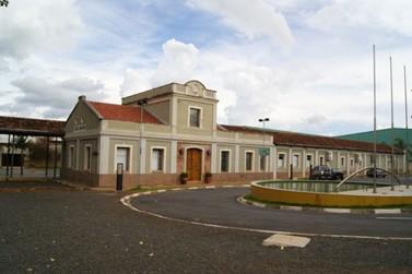 Paulo Silva inicia mandato  atendendo na Estação Educação