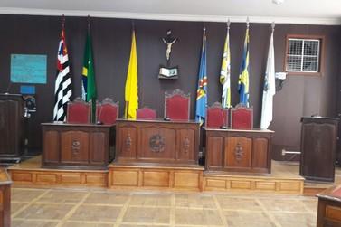 Câmara muda novamente horário das sessões e antecipa início às 14h30