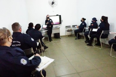 GCMs de Estiva e Mogi Guaçu recebem treinamento em Mogi Mirim