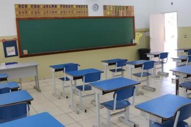 Secretaria de Educação definirá na próxima semana se retomará aulas presenciais