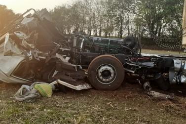 Acidente entre ônibus e carreta deixa 7 feridos na SP-191
