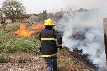 Aumento de incêndios em áreas urbanas preocupa bombeiros