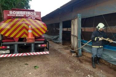 Corpo de Bombeiros controla incêndio que atingiu granja