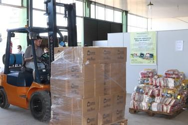 Fundo Social do Estado entrega 505 cestas básicas ao banco de alimentos