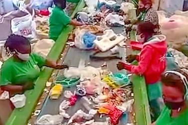 Catadores começam a receber pagamento de R$ 464 mil do Bolsa Reciclagem