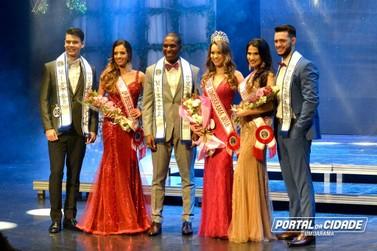 Em noite de glamour, Alana Martins é eleita Miss Umuarama 2018