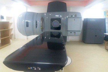 Equipamento de radioterapia da Uopeccan começa a operar em Umuarama