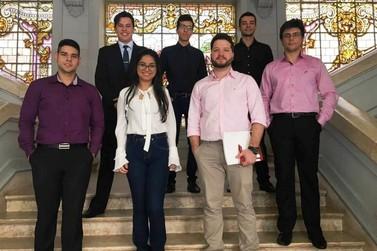 Estudantes apresentam trabalhos em evento internacional da USP