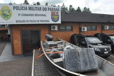 BPFron apreende embarcação carregada com contrabando em Guaíra