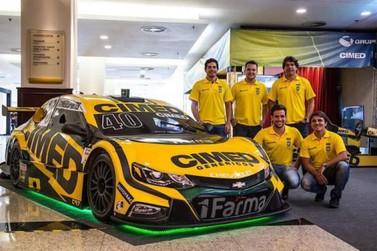 Cimed Racing apresenta carro em Atibaia