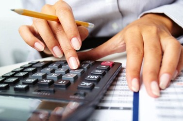Empresas ampliam registros de inadimplentes de olho no 13º salário