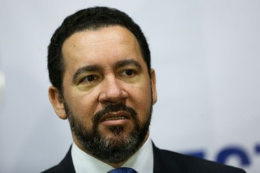 Governo trabalha para votar Previdência em fevereiro, diz ministro
