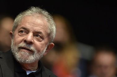 Por 3 a 0, desembargadores do TRF4 mantêm condenação de Lula
