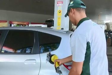 Preço da gasolina nas bombas volta a subir na semana, segundo ANP