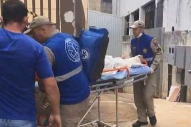 Elevador de loja cai no Centro de Cascavel e três pessoas ficam ferida