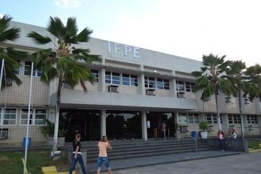 IFPE abre seleção simplificada para tradutor e intérprete de libras