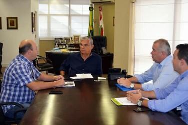 Prefeito em exercício pede verbas para reformar Pavilhão da Fenarreco