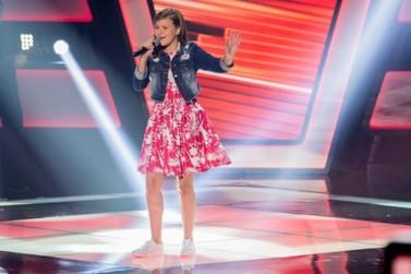 Rondonense Eduarda Back encanta jurados e plateia no The Voice Kids