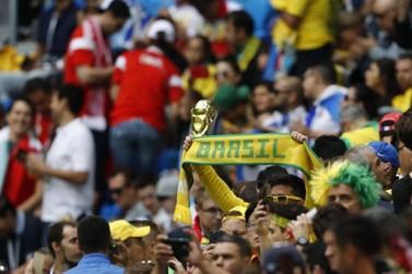 Assaltante brasileiro é preso em estádio da Copa durante jogo do Brasil