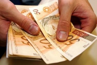 Governo recua e estimativa de salário mínimo cai para menos de R$ 1 mil em 2019