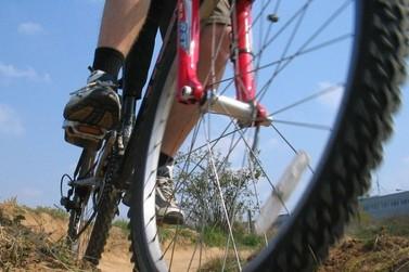 Jovem tem bicicleta furtada da área de casa no Jardim São Jorge