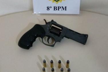 Polícia apreende revólver em bar suspeito de comercializar armas e drogas